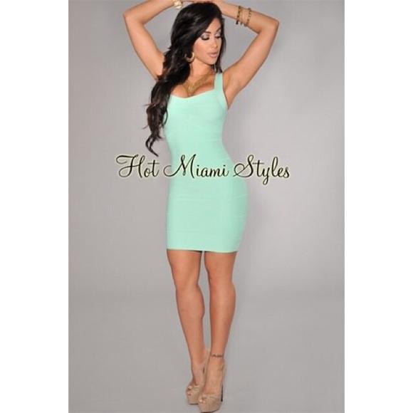 d1f3094c2a29 Super cute mint green tight mini bodycon dress. M 5a4561e75512fdea520e44eb